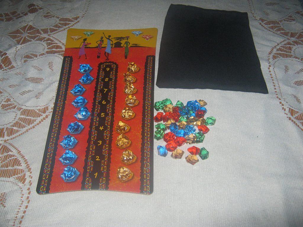 Ubongo - gra planszowa - recenzja od GameBy.pl